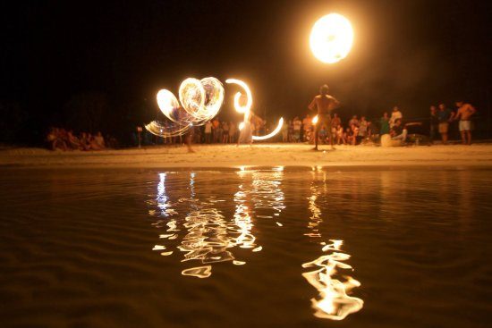 Fire Show Mad Monkey Hostel koh rong